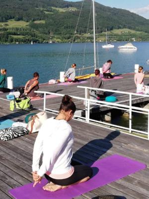 Yoga am Steg mit Susanne Riehs