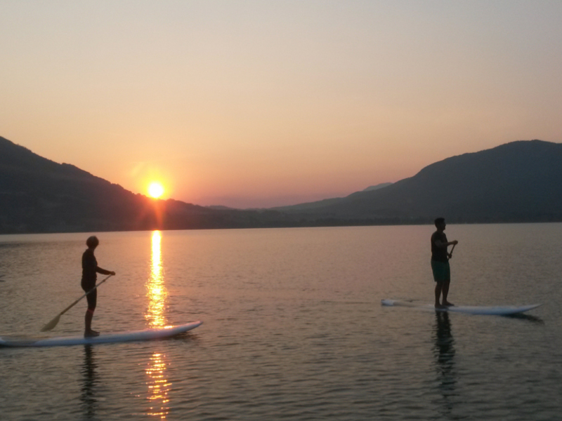 SUP Yoga am Mondsee mit Danique