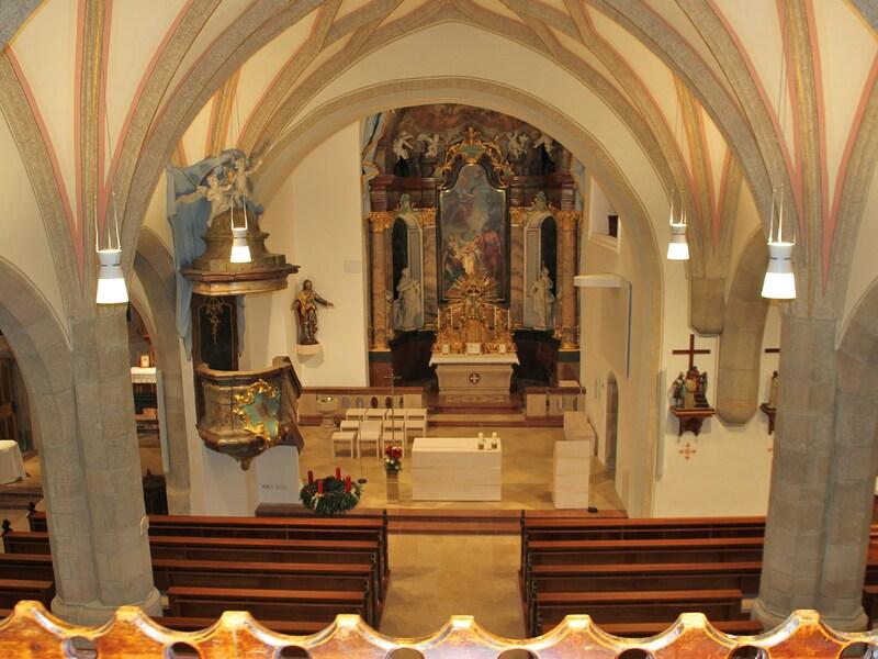 Blick auf den Altarraum