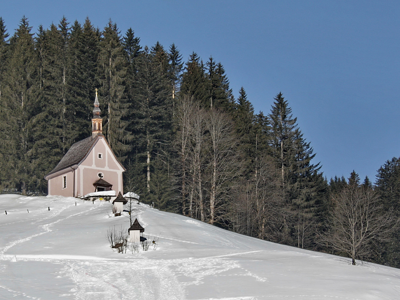 """The church on the \""""Kalvarienberg\"""" (small mountain) in Gosau at Dachstein was built on an energy field. On the way there, five secrets are told."""