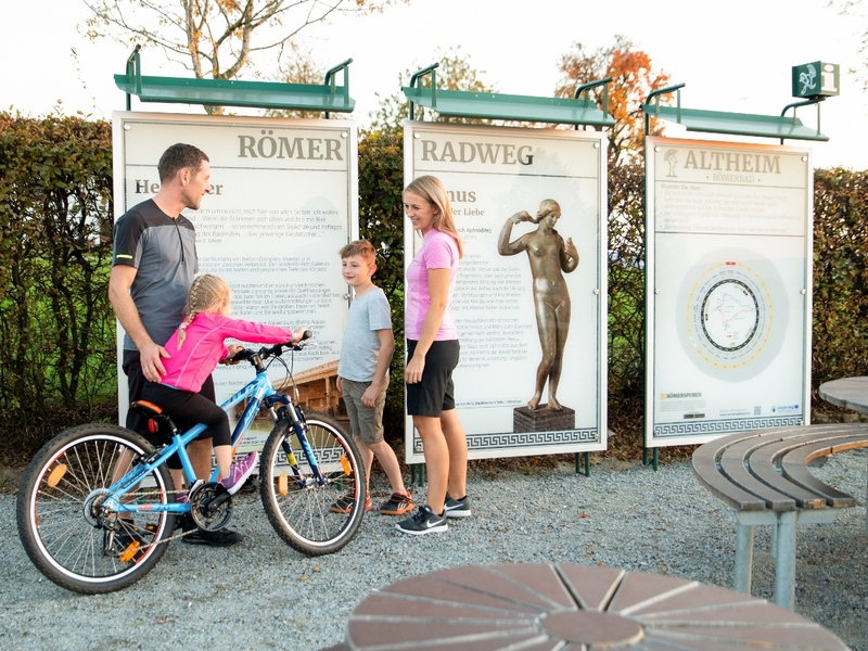 Römerradweg Rastplatz beim Römerbad Villa Weirading