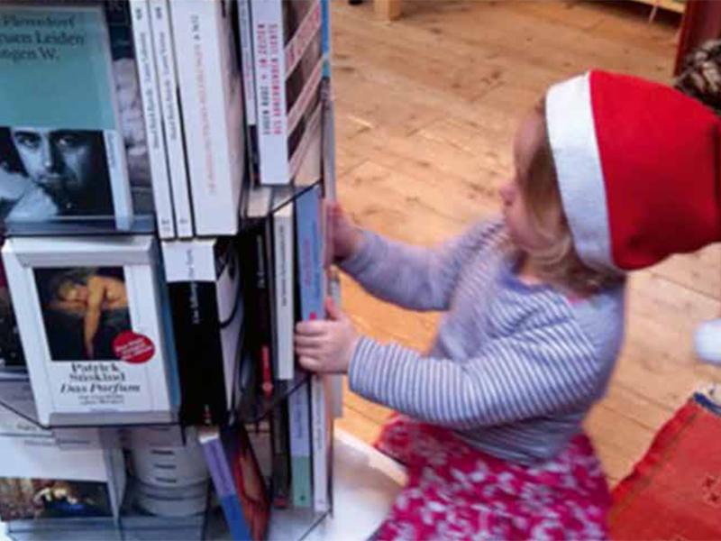 Verkaufsausstellung: Buch und Spiel