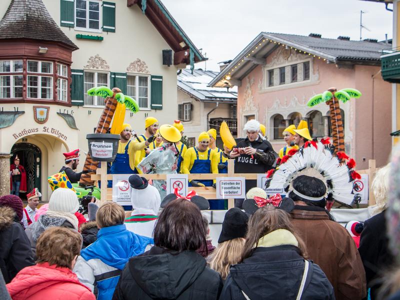 Bühnenfasching und Faschingsumzug in St. Gilgen