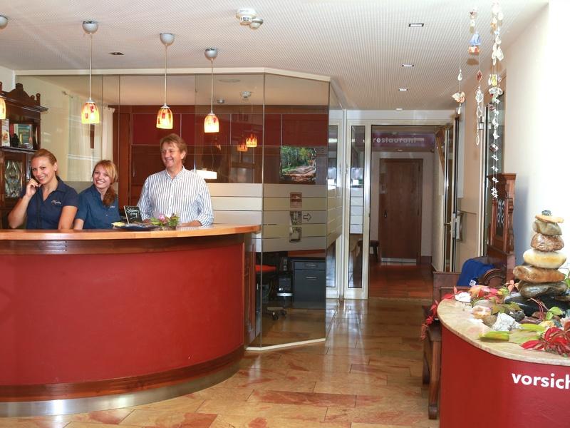 Rezeption im Hotel Gasthof Zillner's Einkehr