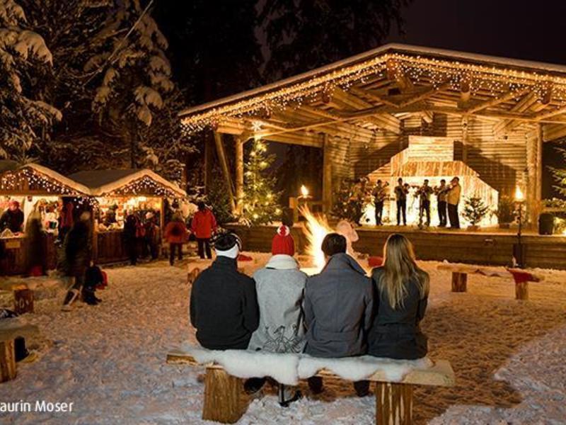 Mayrhofner Advent am Waldfestplatz