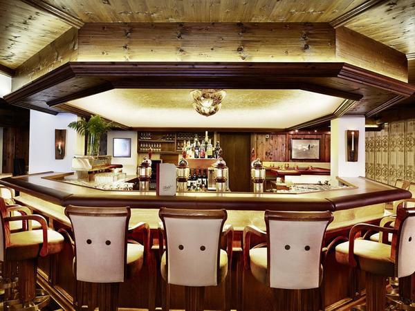 Bar mit Lounge