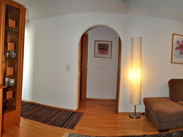 Wohnraum mit TV 1