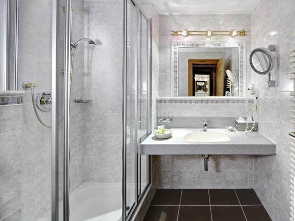 Bad/Dusche Einbettzimmer