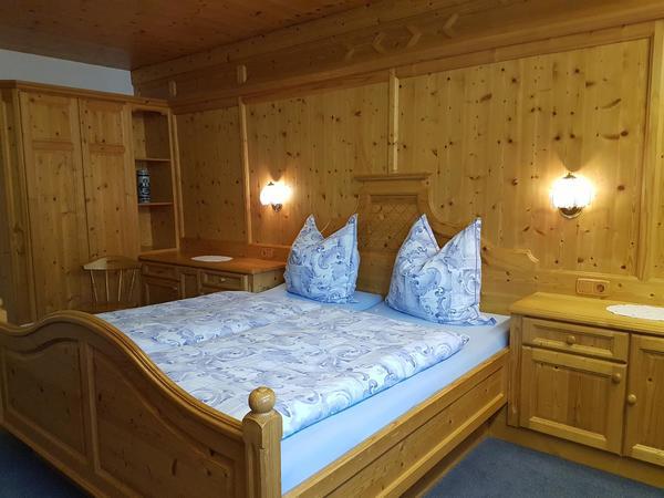 Ferienwohnungen Rinker Schlafzimmer EG Top 2