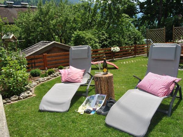 Garten mit Sonnenliege