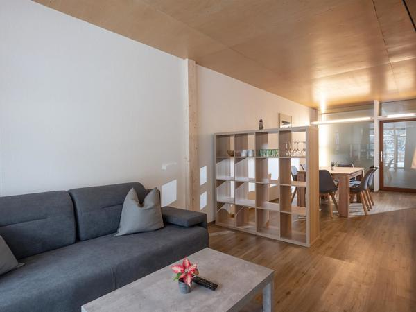 Wohnzimmer mit Couch