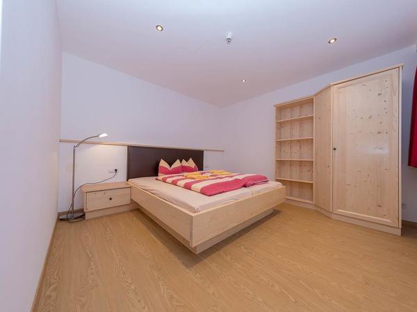 Zimmer 9