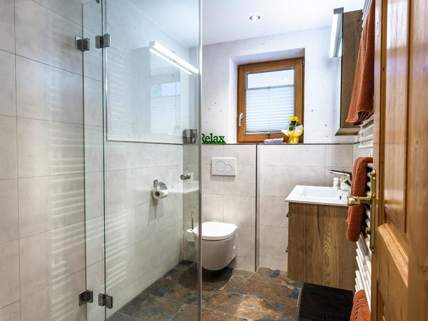 Badezimmer mit Dusche / WC - Tristner