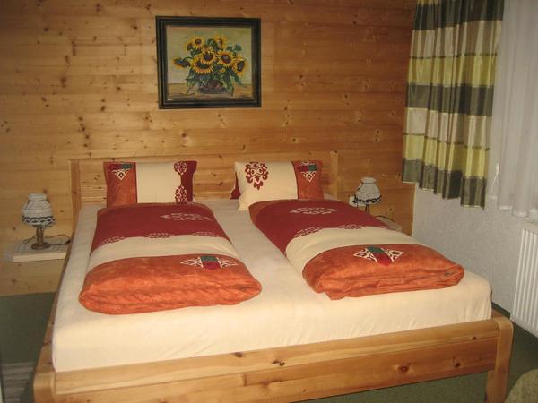 Zimmer aus Zirbenholz