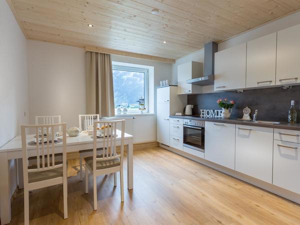 Die geräumige Küche im Appartement `Tanja`.