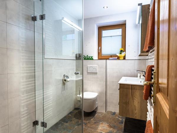 Grinberg Bad mit Dusche /WC