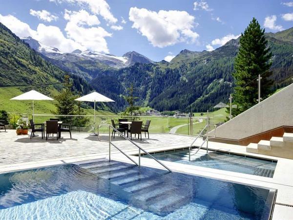 Wellness Sommer Hintertux - Berghof Panoramapool