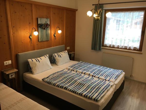 Zimmer 1 mit 3 Betten
