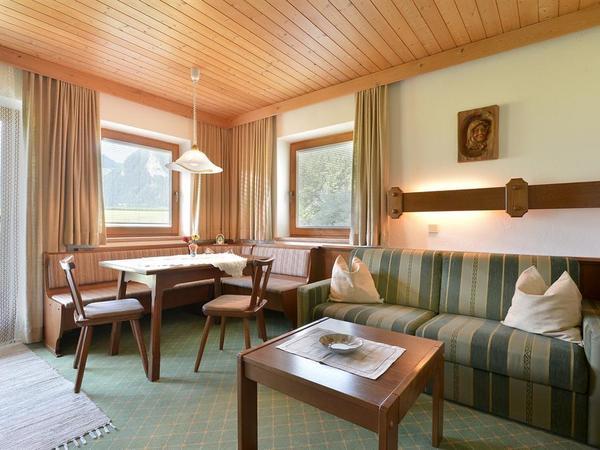Wechselberger Johanna - Wohnzimmer 2