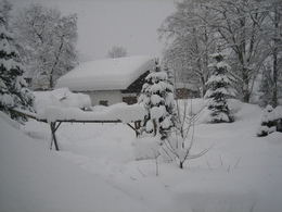 Tiefer Winter am Primusbergerhof (© Walter Kefer)