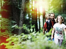 Hutberg Rundweg - Familie am Wildererweg