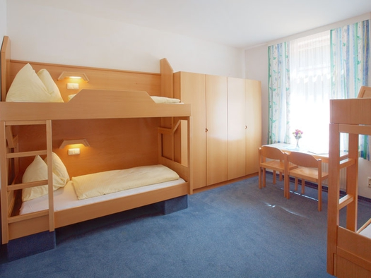 Vierbettzimmer Jugendgästehaus Bad Ischl. (© OÖJHV)