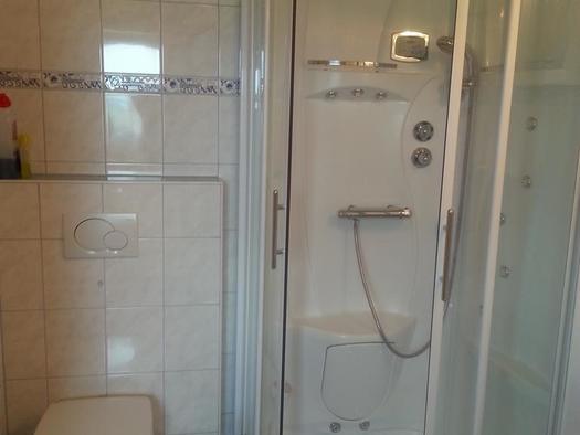 Dusche mit WC Ansicht 2