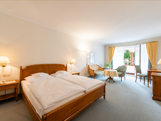 double room de luxe with balcony (© www.leitnerbraeu.at)