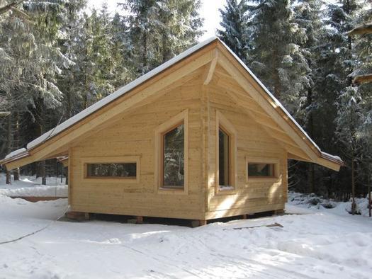 Blockhaus im Winter (© Ramenai)