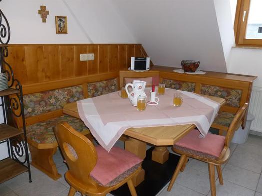 Sitzecke in der Küche XXL Apartment Hirtenstube (© berger)