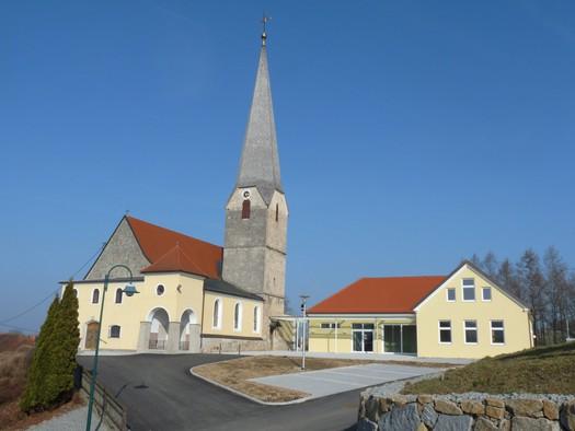 Pfarrkirche mit Pfarrheim
