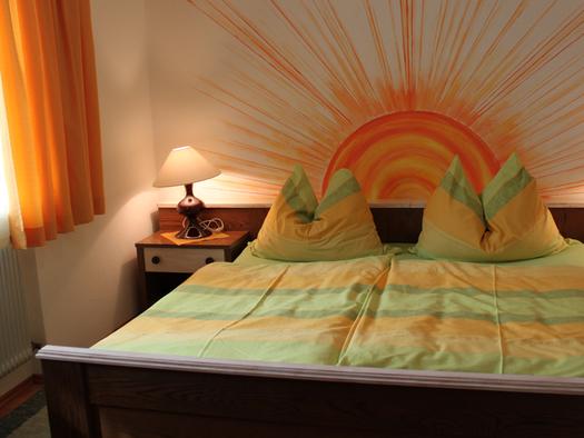 Schlafzimmer mit Doppelbett. (© Fam. Winklhofer)