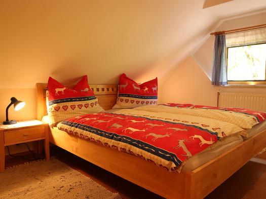 Schlafzimmer im Apartment Siegfried (© Gästehof Annerl)