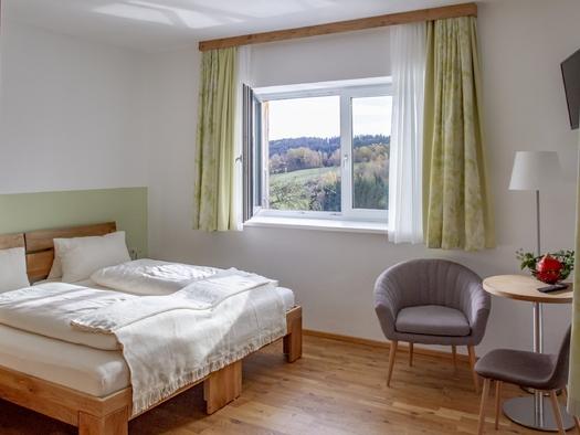 Hopfen Zweibettzimmer (© Gästehaus In da Wiesn)