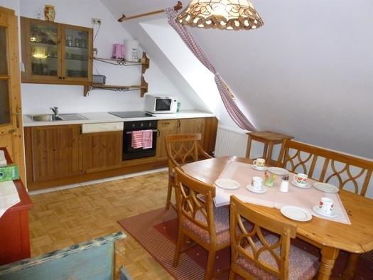 Wohnzimmer XXXL Apartment Heustube (© berger)