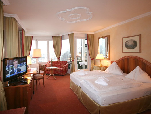 Junior Suite with View to the Lake in the Main House. (© Hotel Hollweger)