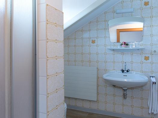 Haus Berndt Zimmer 11 Bad (© www.studio46.at)