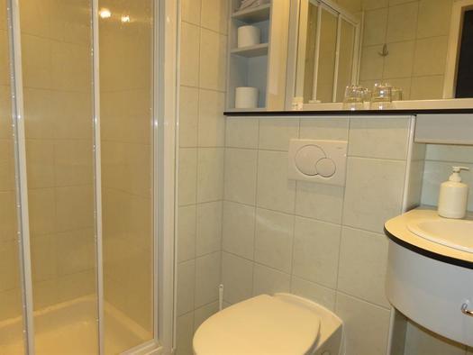 Alpenrose - Zimmer mit Dusche-WC (© Berghof Sturmgut)