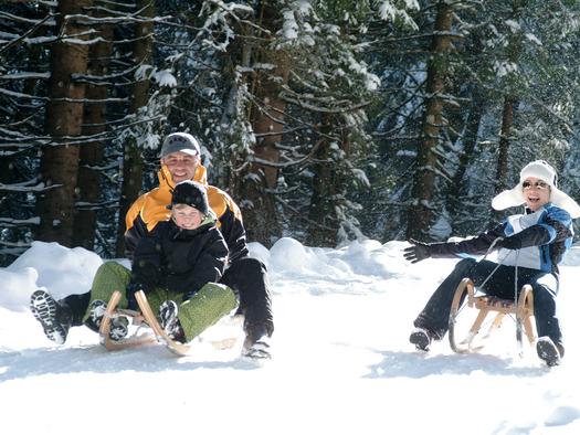 Rodelvergnügen für die gesamte Familie (© Tourismusverband Faistenau / Friedrich Ristits)