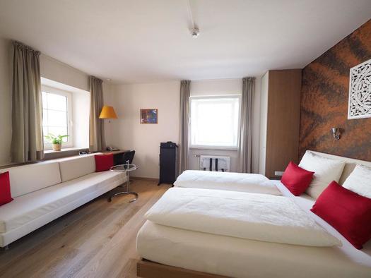 Zimmer (© Hotel Schlair)