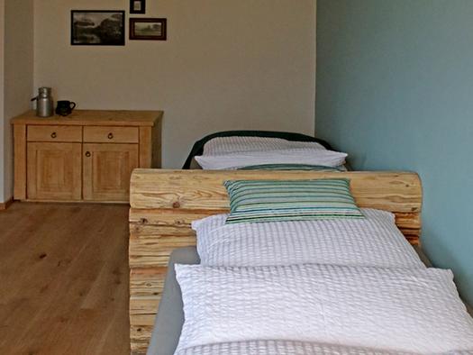 Schlafzimmer mit Doppelbett. (© D7)