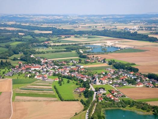 Luftbild 2011.jpg (© Gemeinde Mühlheim am Inn)