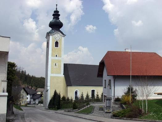 Geiersberg_Kirche_mit_Ortskern (© TTG Tourismus Technologie)