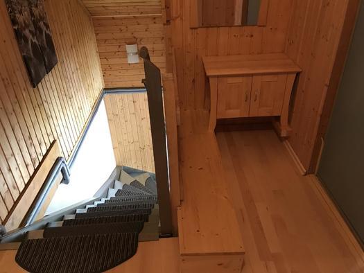 Stiegenaufgang Apartment Hochfichtblick (© Haus Stadlau)
