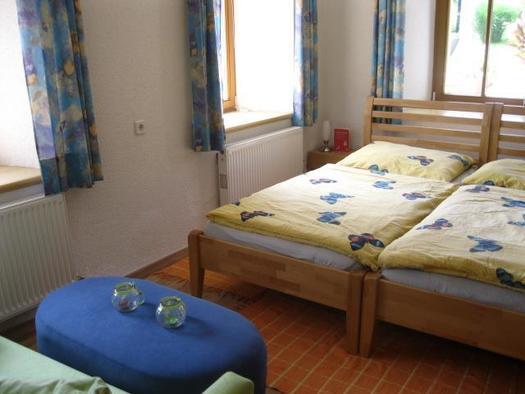Doppelbett mit Sitzecke