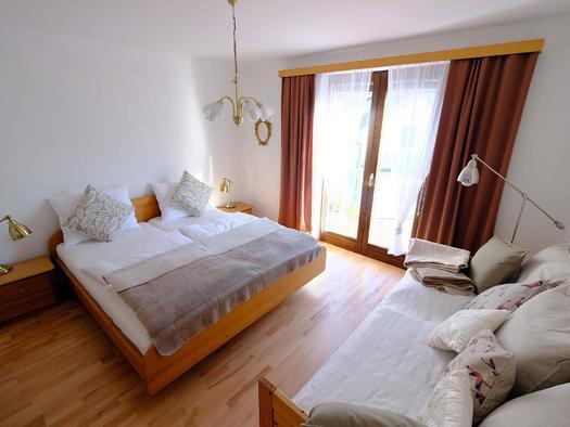 1. Schlafzimmer (© Rudolf Kirth)