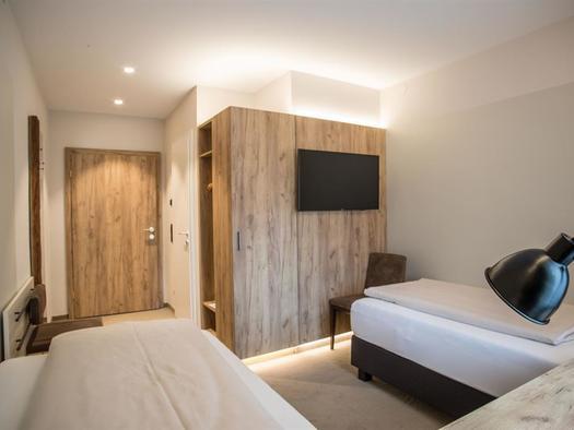 Doppelzimmer TV Blick