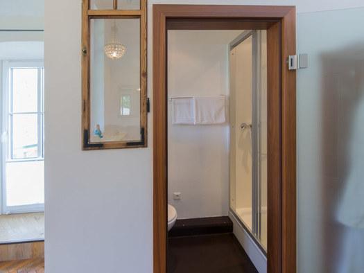 Haus Berndt Zimmer 4 Bad (© www.studio46.at)