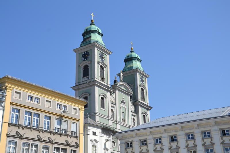 Hauptplatz und Alter Dom