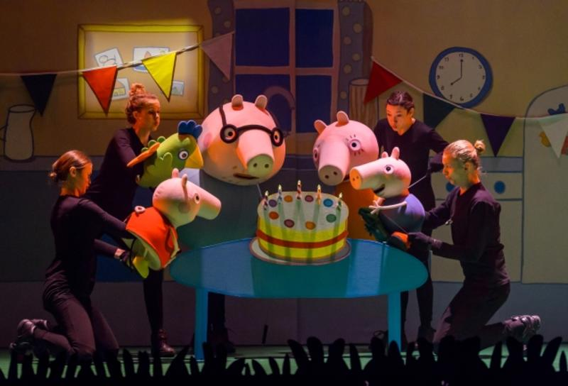 Peppa_Pig_Live_Ueberraschungsparty%c2%a9Theater_auf_Tour_Fotograf_Wim Lanser